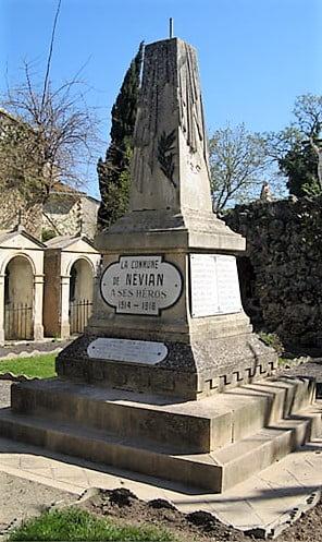 Monument aux morts guerre 14-18 Névian