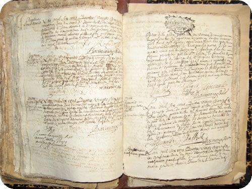 Les documents conservés à la Mairie de Névian